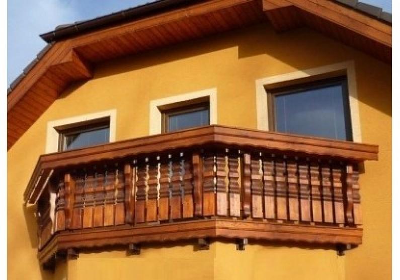 Drevené balkóny sú estetické i praktické