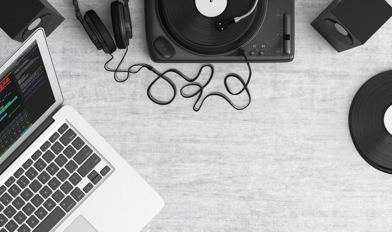 Zintenzívnite svoj hudobný zážitok s tými správnymi reproduktormi