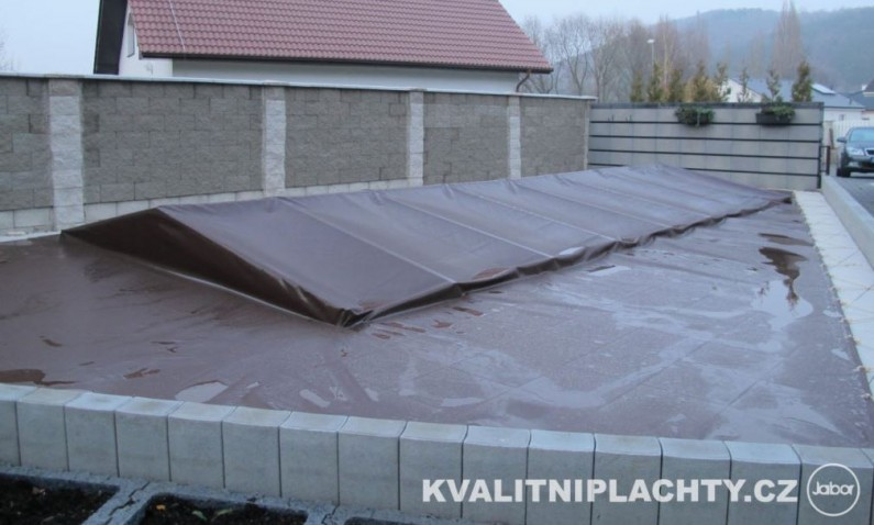 Správná ochrana zahradního bazénu