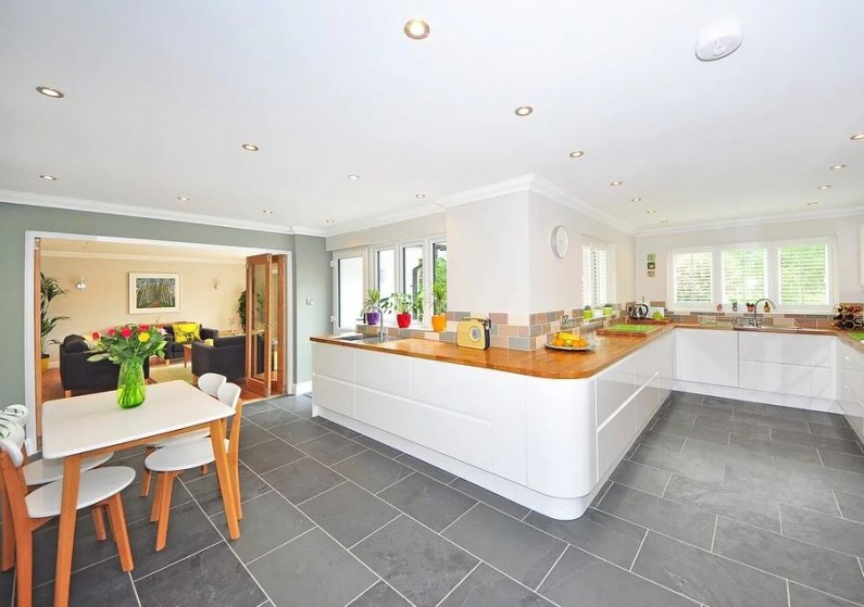 Ako vybrať moderný nábytok do jedálne?