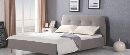 Postele pre spánok ako v bavlnke – hitom sú čalúnené
