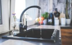 Kde zohnať luxusné a praktické kúsky dovašej kuchyne? Poradíme vám!